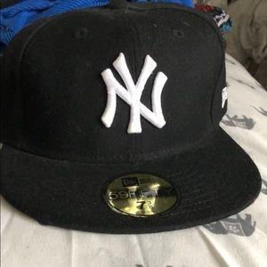 New Era black and white NY hat